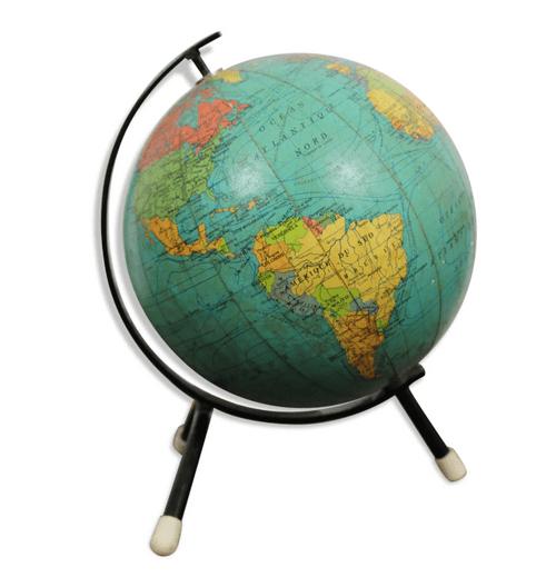 Globe terrestre tripode