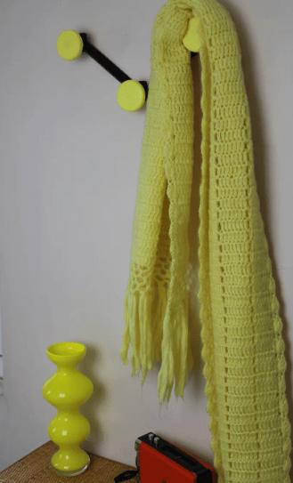 Patère jaune