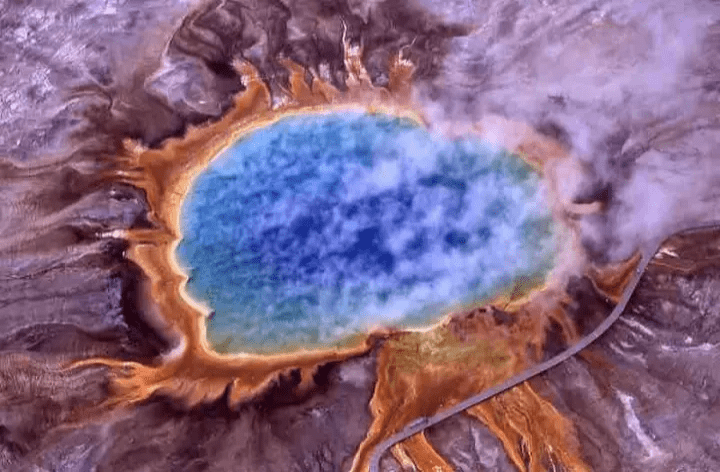 wikilmages-thermal-spring-yellowstone-park-wyoming-usa