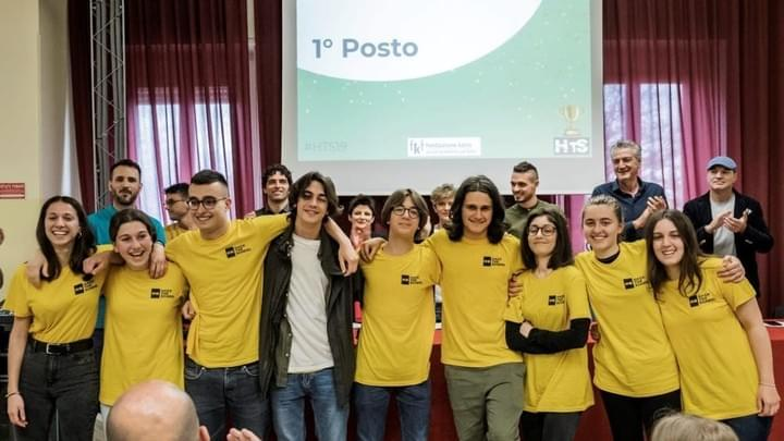 "Hack The School torna ma sul web e sfida i giovani ""Hack The School torna sul web e sfida i giovani""  Potrebbe interessarti: https://www.riminitoday.it/cronaca/hack-the-school-torna-ma-sul-web-e-sfida-i-giovani.html"