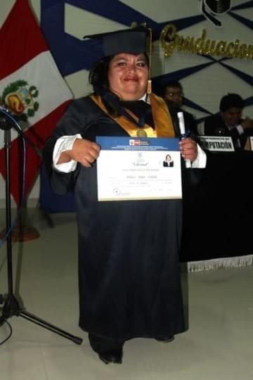 Mariluz at her pharmaceutical graduation