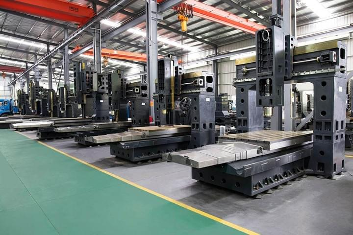 Double column machining center manufacturing workshop