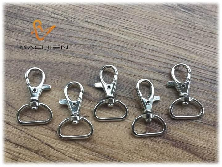 MACHIEN Inc.'s shoelaces accessories-Duck in the groove (stainless steel lobster claw clasps)