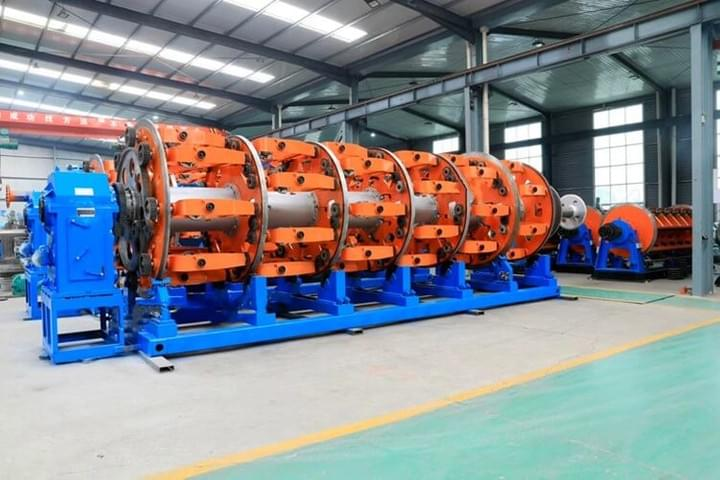 400/54 Bobbin Steel Wire Armouring Machine