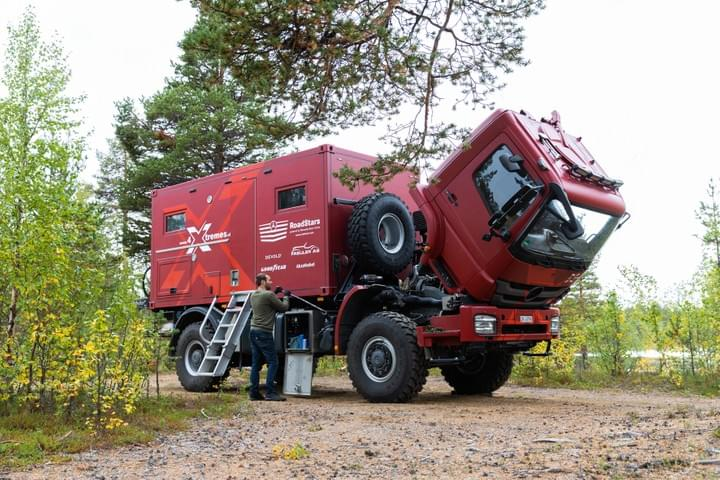 4xtremes expedition truck