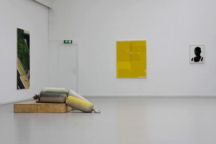DOOR SCHILDERSOGEN / FROM A PAINTERS PERSPECTIVE - Installation view: Klaas Kloosterboer, David Powell, Kees Goudzwaard, Ronald Ophuis