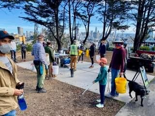 Picture of gardening volunteers at Alamo Square park