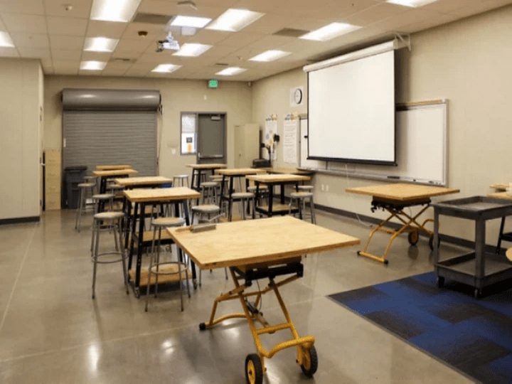top-electricians-Lighting-retrofit-executive-electric-industrial-construction-services-modesto-executive-electric-commercial-and-industrial-construction-services-commercial-electrical-press-restaurant-modesto-ca-industrial-government-school-public-works-electrical-projects