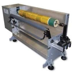 Demounting solutions for an easy removal of plates and tapes