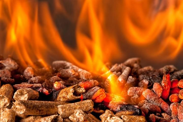 Biomass. Heating from renewable natural materials