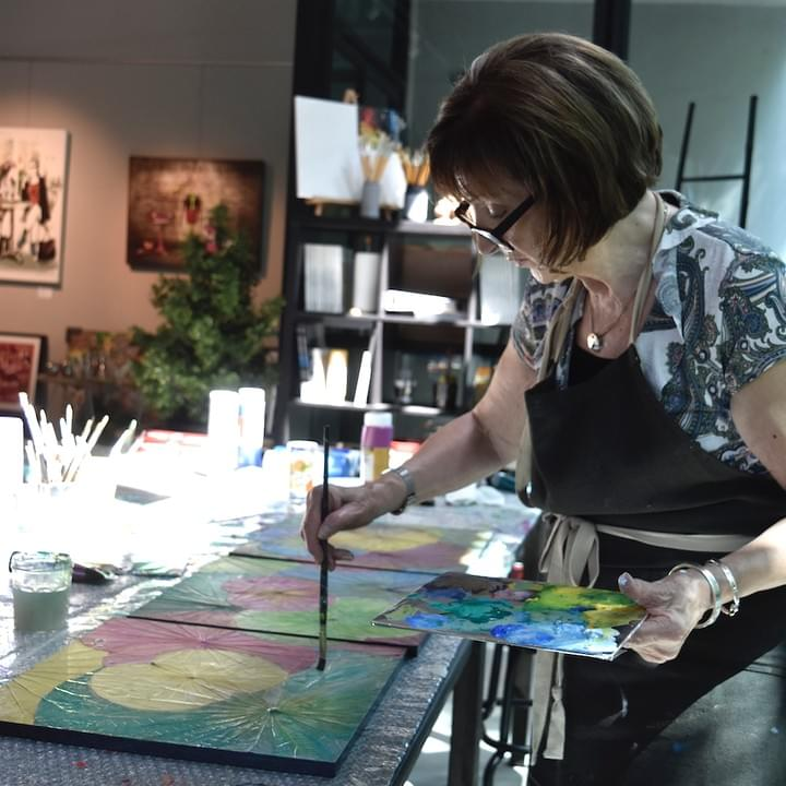 Art and Abode experiences are one-of-a-kind activities designed and hosted by France Gaggioli. Unlike a typical class or workshop, Art and Abode experiences go beyond the activities themselves and offer a deep-dive into France's world through her passion.