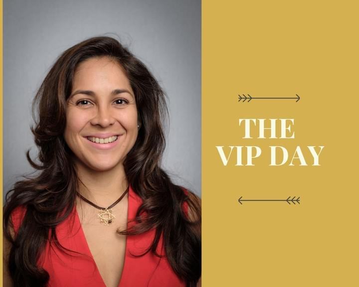 Andrea Cristancho, Holistic Business Coach. International Business Strategist for Female Solopreneurs in the service-based creative Business Space. Book your VIP Day 1:1 Coaching session here.