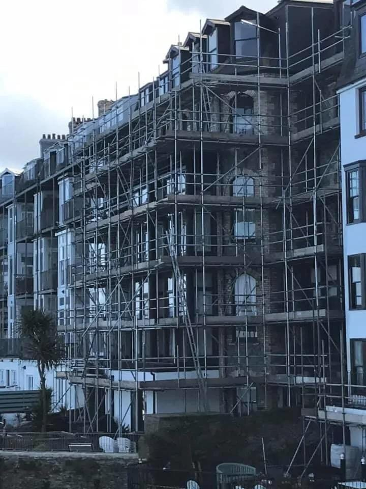 scaffolding in ilfracombe, north devon