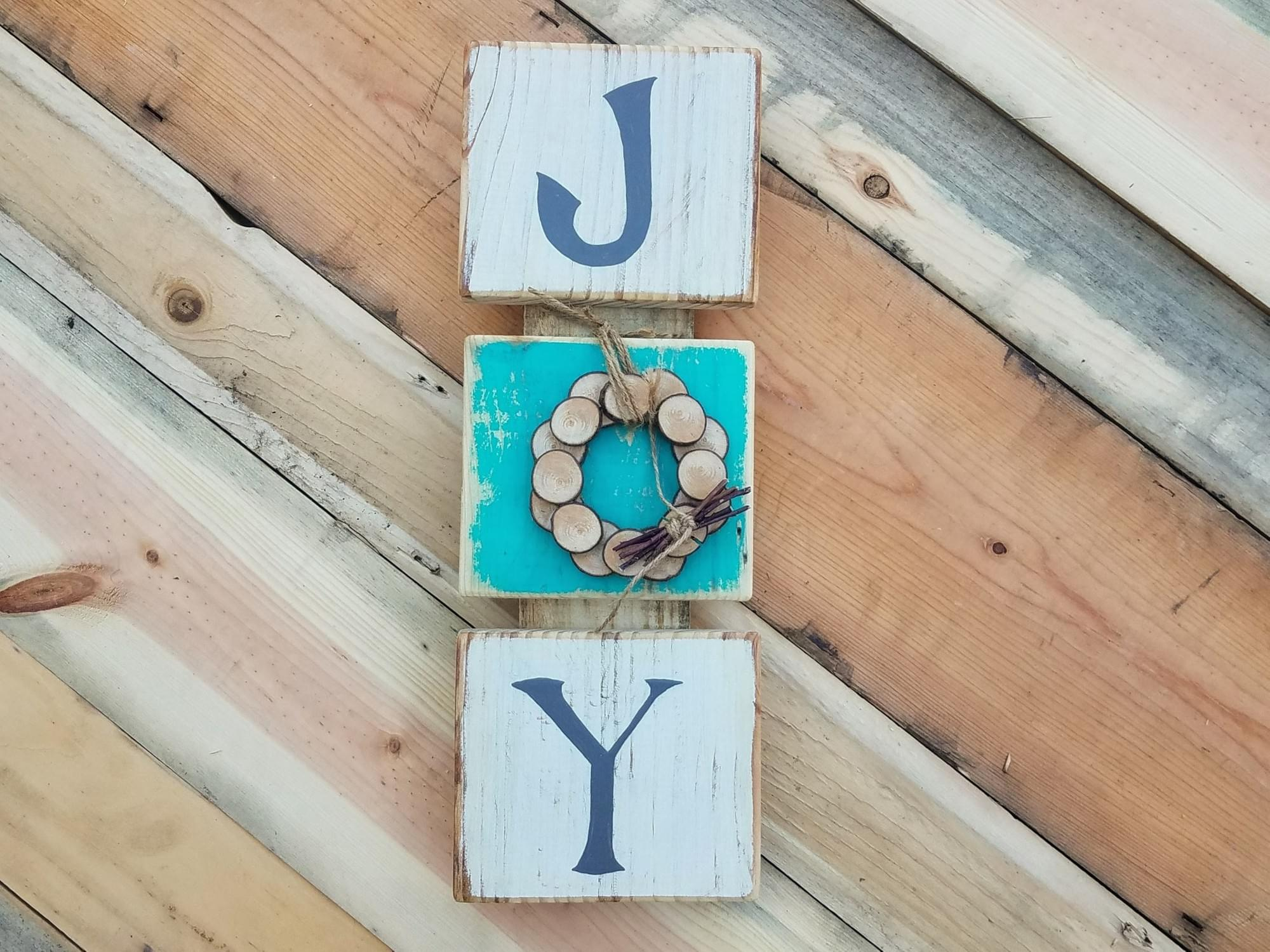Joy With Wood Slice Wreath Sign