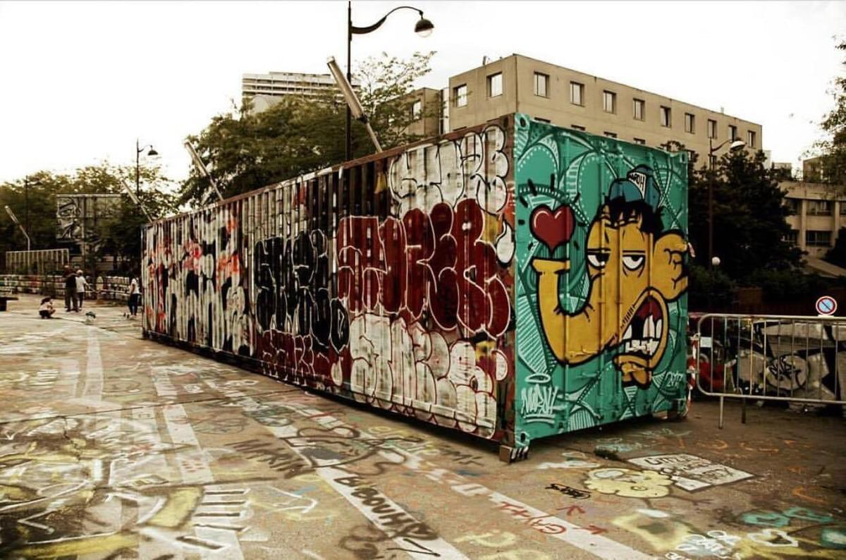 Graffiti in Paris.  Credit: @insta.sara.hld on IG.