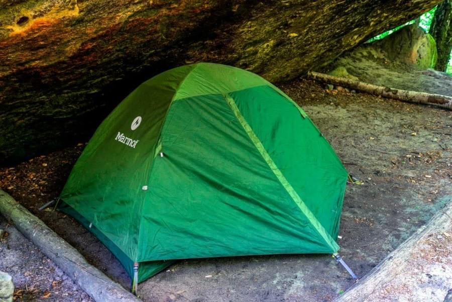 Image showing how to camp under a Boofe inside the Saxon Switzerland.