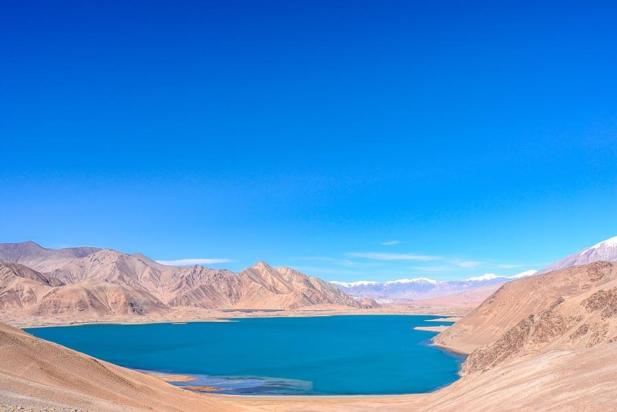 Image showing the Karakul lake and surrounding mountain views along the Karakoram Highway between Kashgar and Tashkurgan in China.