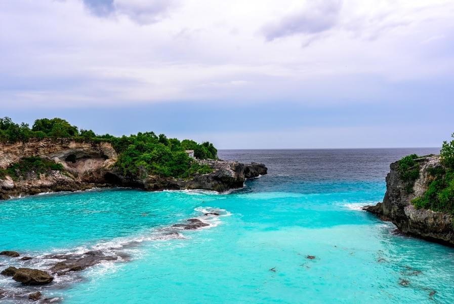 Image showing the Blue Lagoon on Nusa Ceningan near Nusa Lembongan, Bali, Indonesia.