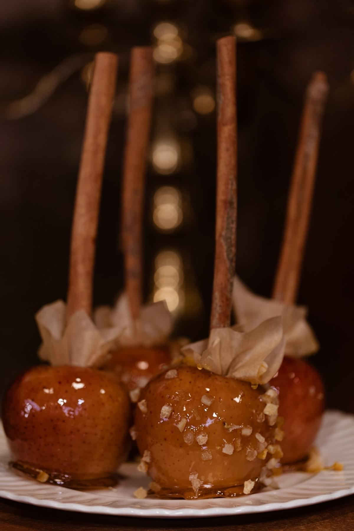 Autumn toffee apples, cinnamon sticks