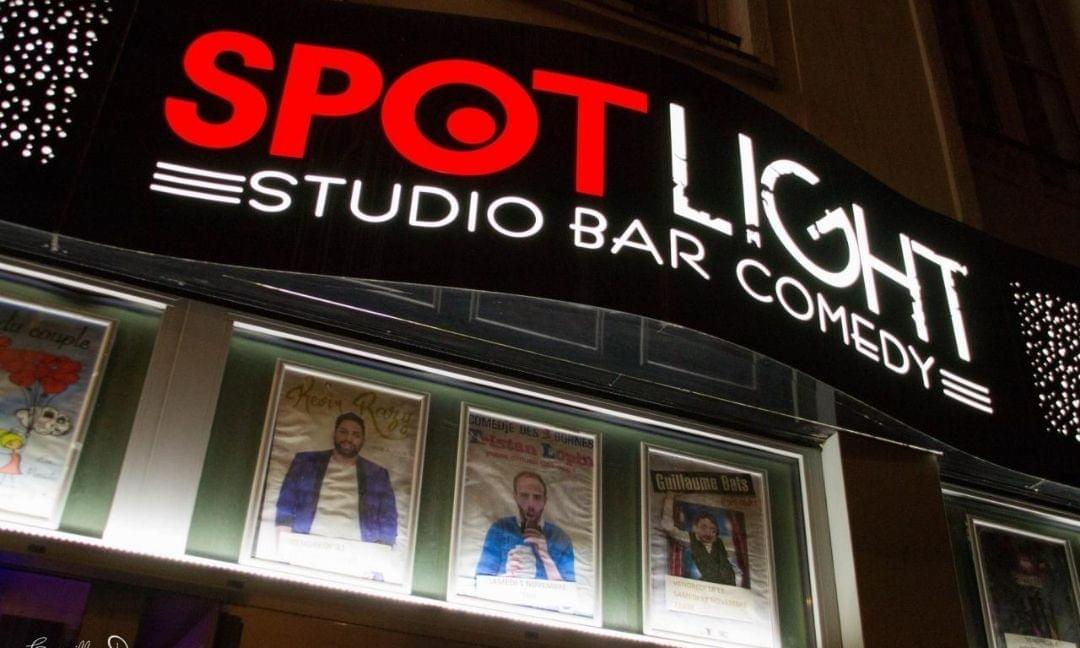 facade du spotlight à Lille : un studio bar comedy