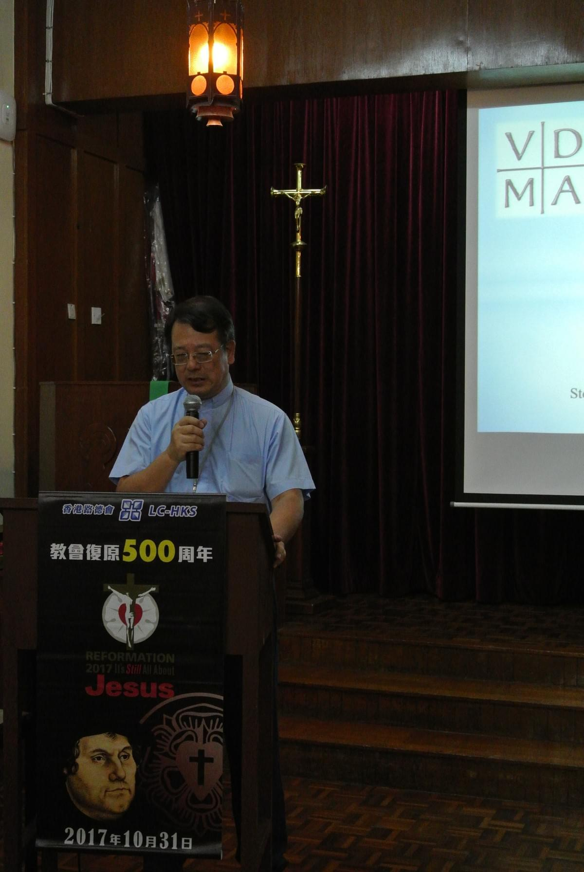 Rev. Francis FUNG Praying