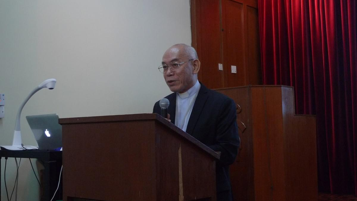 9(Lecture by Rev. Dr. Peter LI)