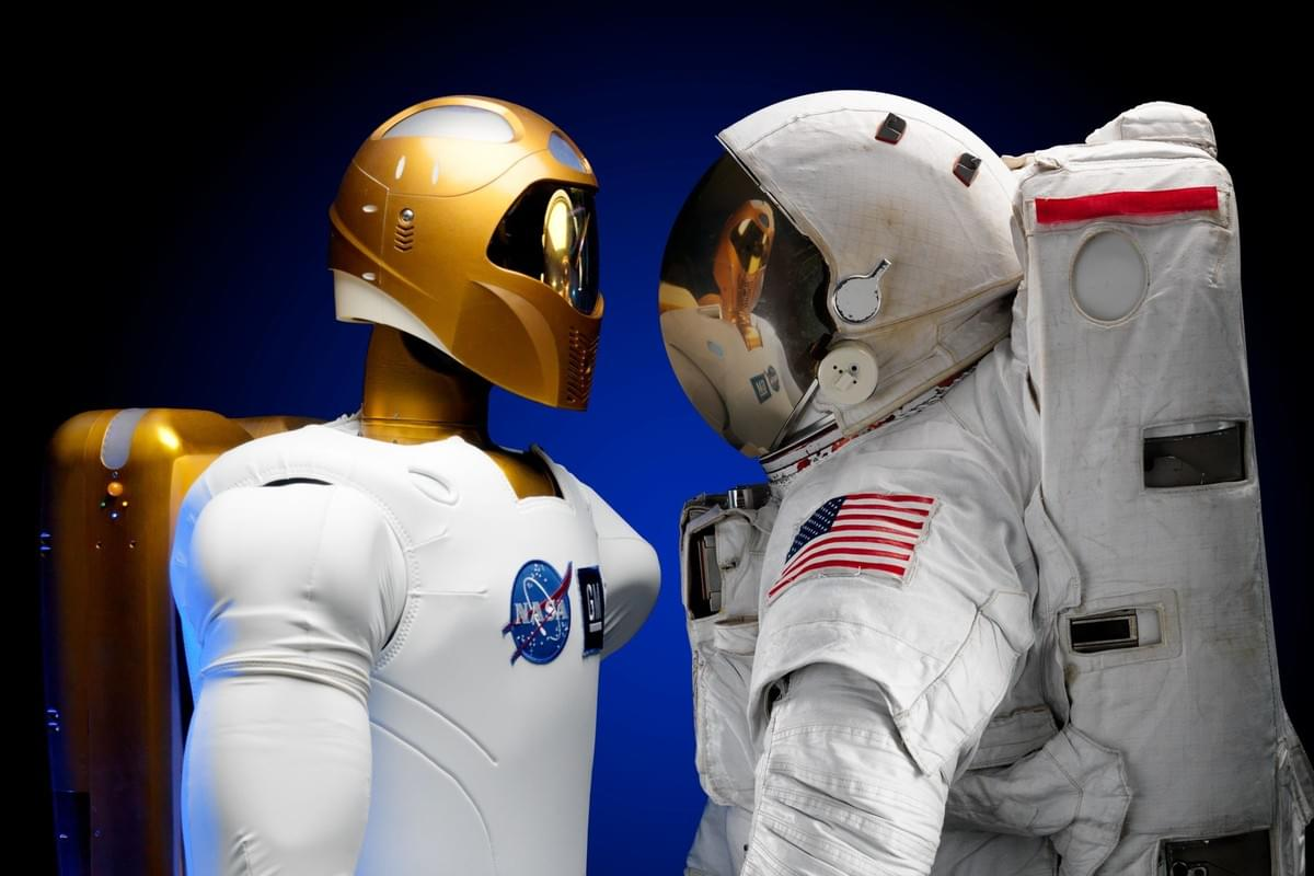 Astronaut space suit facing robot space suit how to create interesting and entertaining content for Instagram