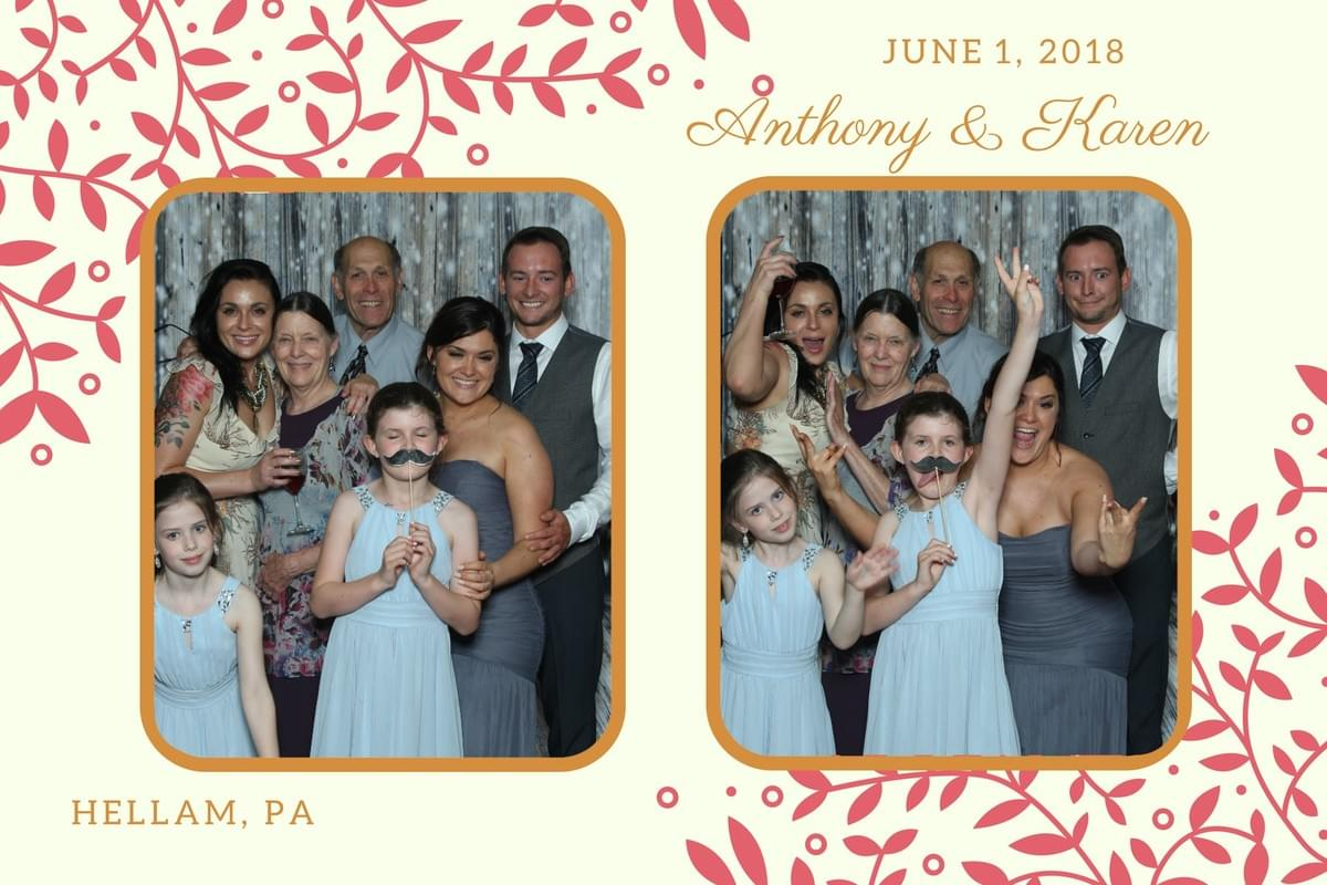 fun family photos with the Magic Selfie Mirror photo booth