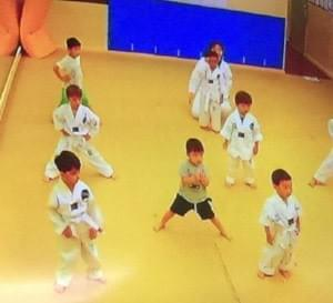 children doing korean Taekwondo