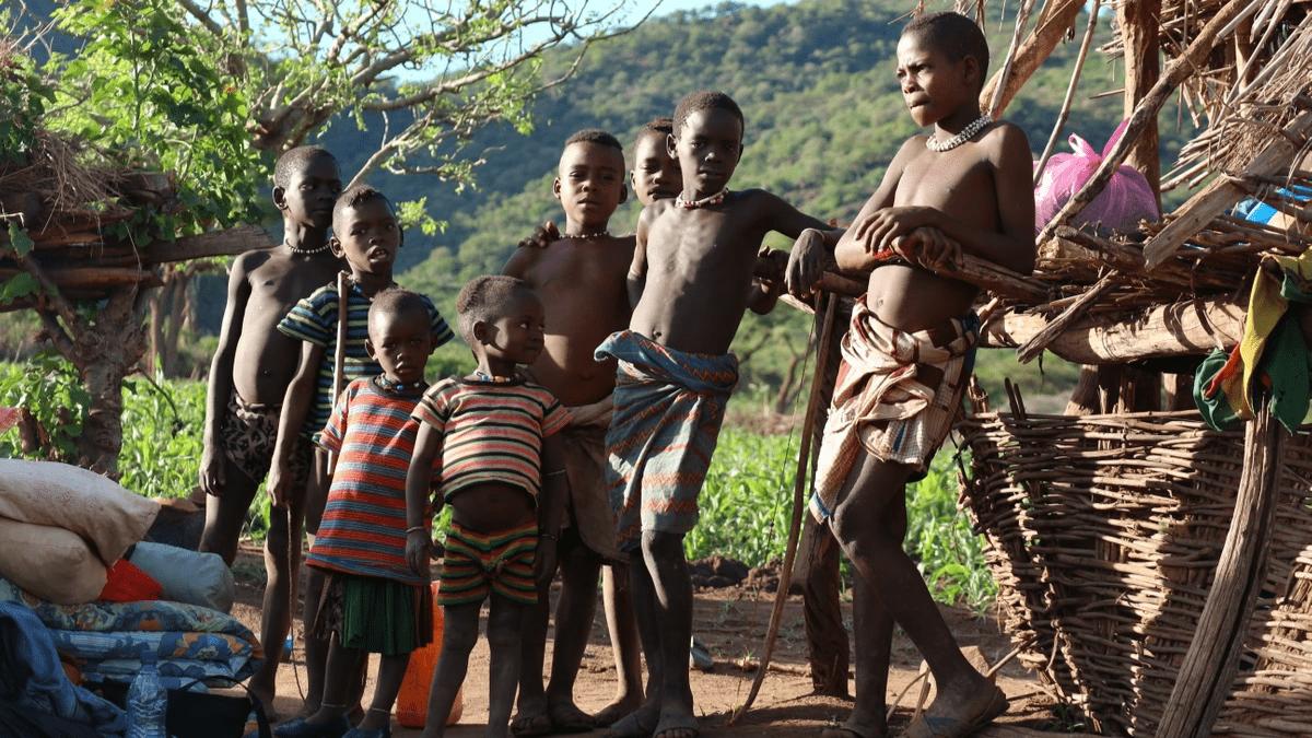エチオピア、バンナの子どもたち。彼らに僕はガルテンビと名付けられた。
