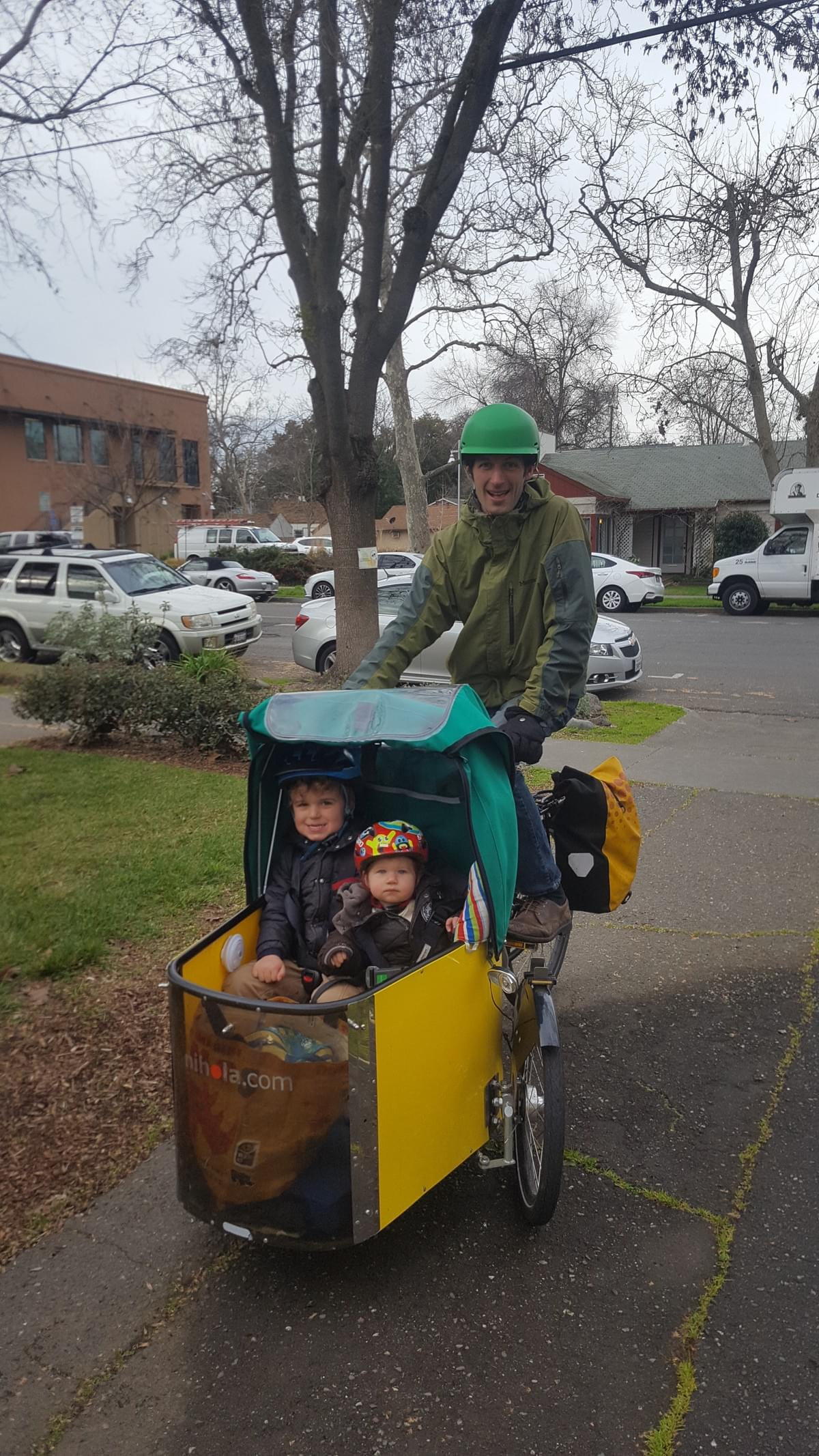 Nico Fauchier-Magnan and his children take their Nihola Cargo Bike everywhere!