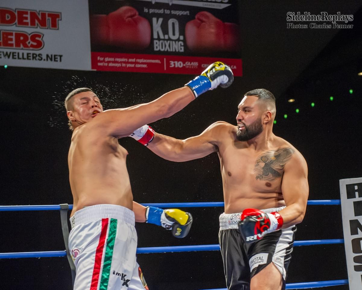 (Above) Stan Surmacz knocks out Mario Rodriguez in the 1st round - Photo Charles Penner