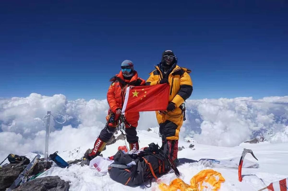 First Sherpa sublings on Mt. Kanchenjunga in spring,2019