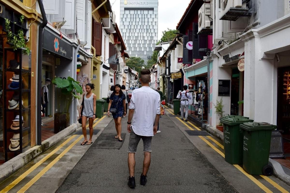 A Travel Entrepreneur's Guide to Singapore with 5footway.inn