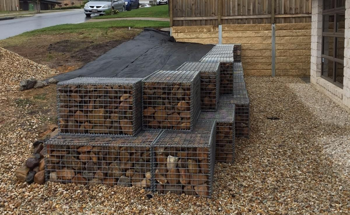 Gabion wall with river rock