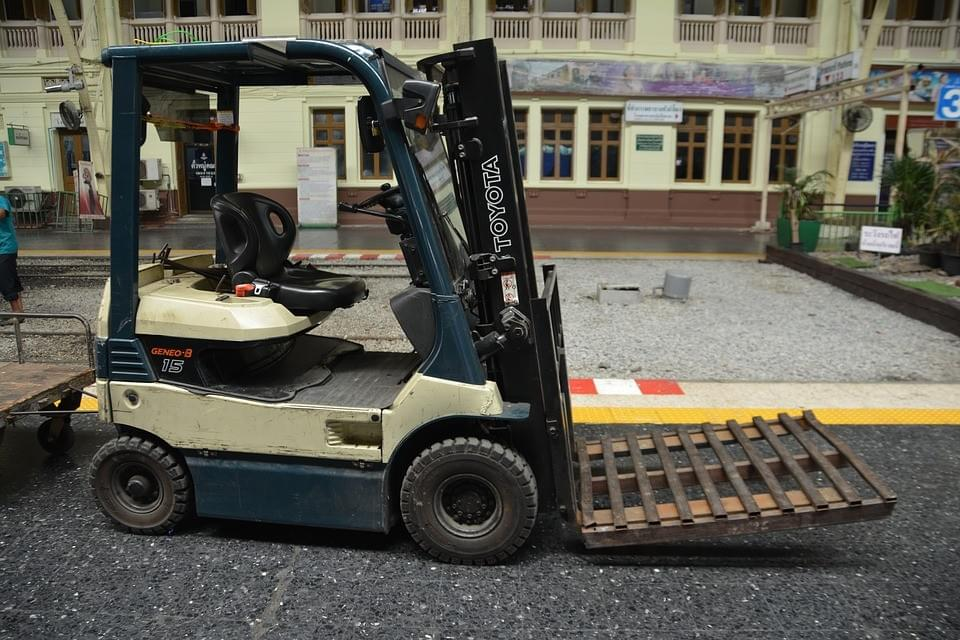 Factors to Consider When Finding the Right Forklift Repair Experts