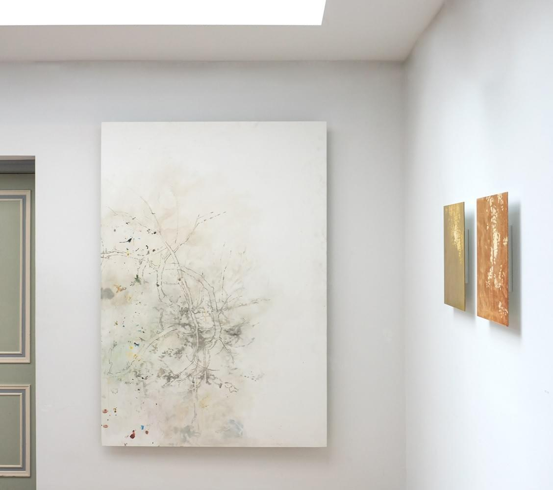 Schilderij- painting - Harm van den Berg - Installation: Unfinished (left), 175 x 125 cm, oil / acrylic on Dibond , Mute and Untitled (brocade) (right)