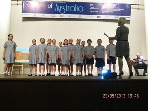 A rendition of nostalgic Australian Songs by students of Avondale Grammar School.