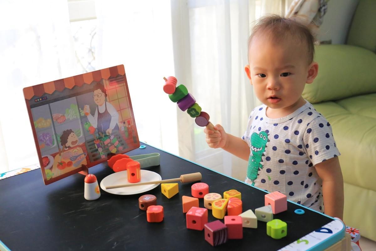 最新推播訊息:《☀Top Bright二合一畫板書桌 玩具☀》熱賣中,即將結團🔥