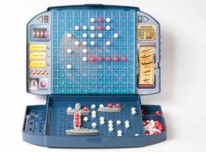 play board games with children like battleship