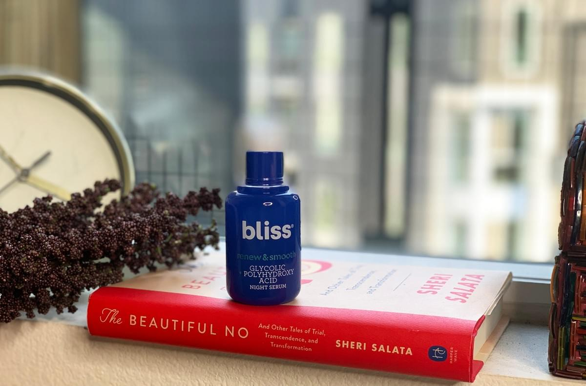 BLISS RENEW & SMOOTH GLYCOLIC + POLYHYDROXY ACID NIGHT SERUM DAISIJOREVIEWS.COM