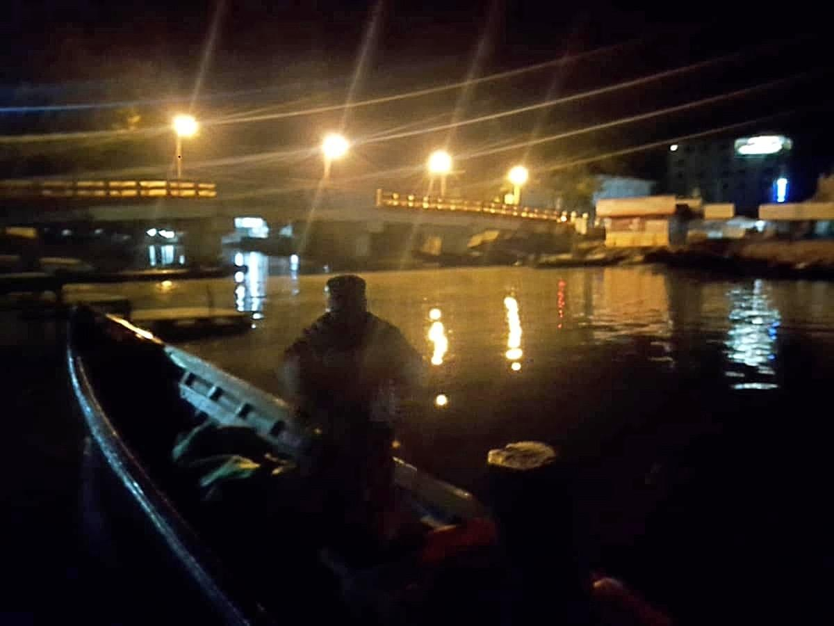 Starting our boat ride in pitch dark for inle lake