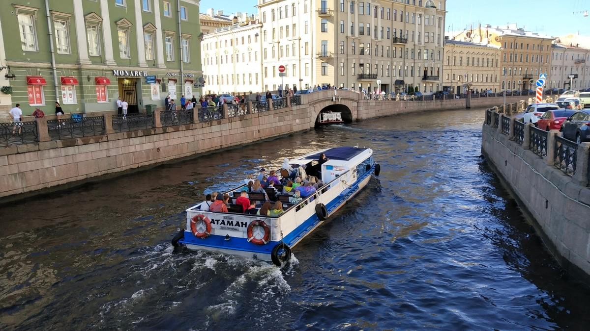 Neva Boat Ride - Best Places To Visit In St. Petersburg
