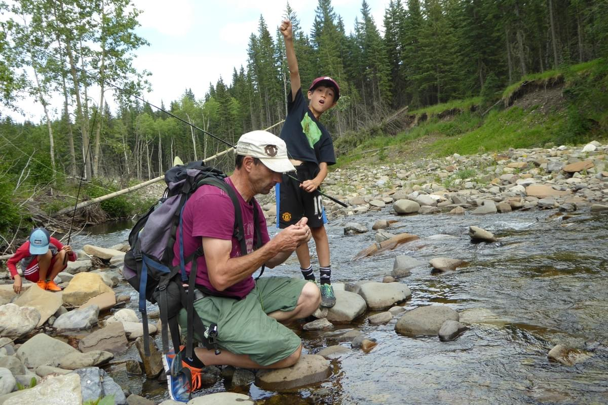 Excitement over a trophy fish! -Smallfish Fly-fishing nets