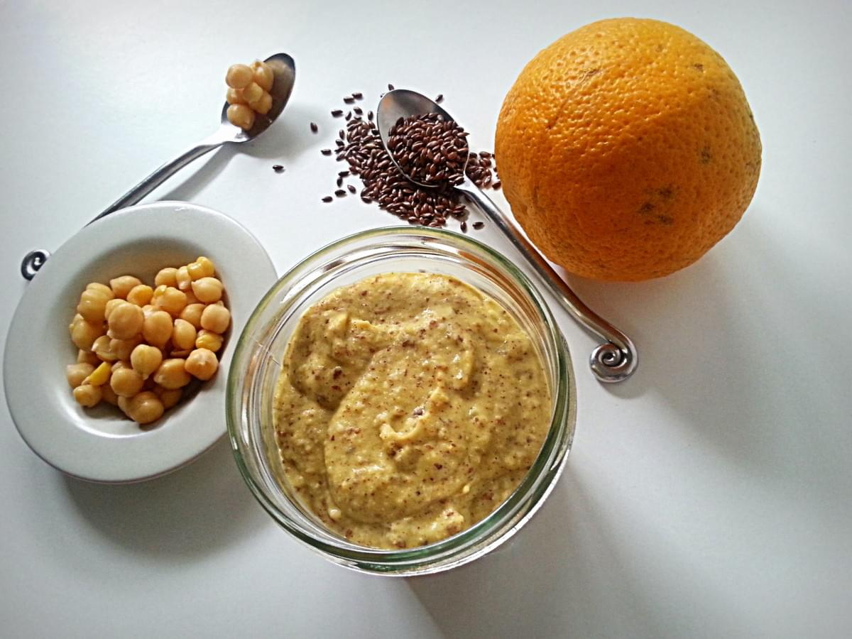 Houmous à l'orange et graines de lin