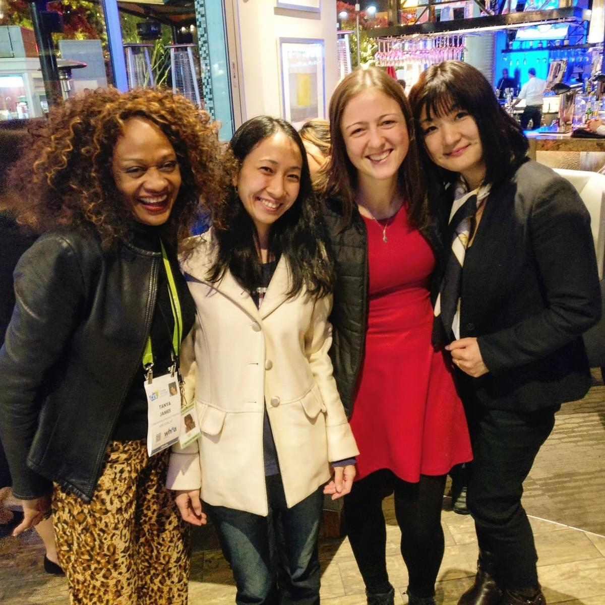 WOW iBreve -  Meeting with Women of Wearables around the World at CES
