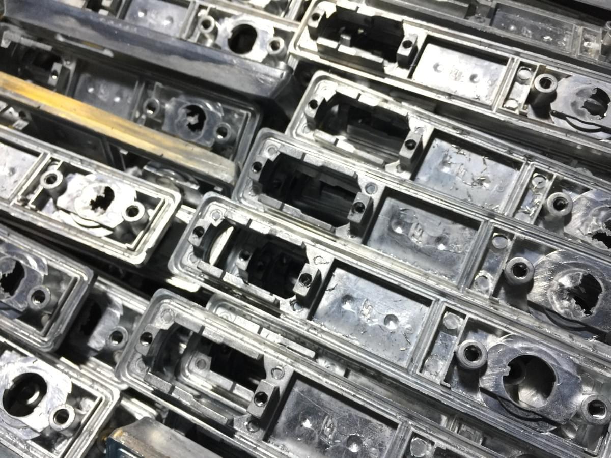 CNC mills machining