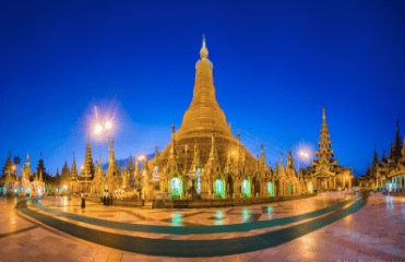 Shwedagon Pagoda at dawn | Hak Liang | Flickr
