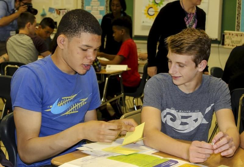 http://www.theherald-news.com/2015/04/28/hufford-junior-high-students-in-joliet-prepare-for-career-success/agq582h/
