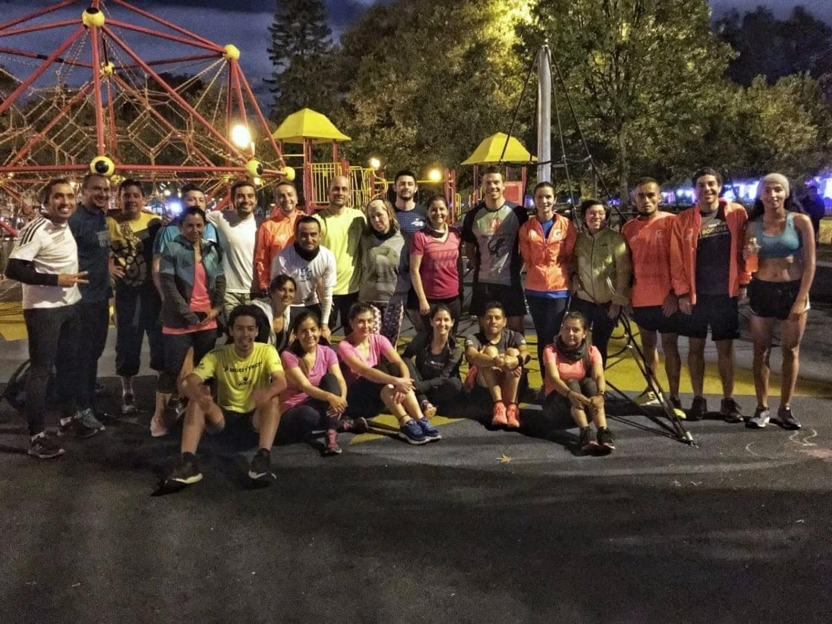 21Korredores training group photo at Parque el Virrey, Bogotá